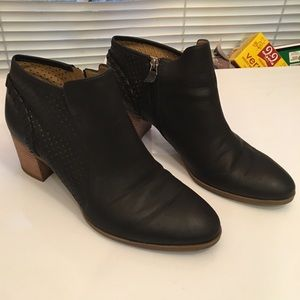 Franco Sarto Buffy Ankle Boot size 10